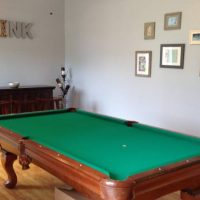 Beautiful Olhausen 8' Pool Table with ping pong conversion